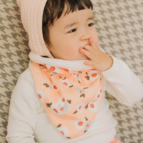 베베쥬 겨울꽃 스카프 빕